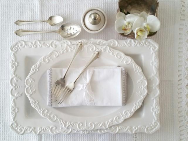 לבן על לבן תמיד יפה וחגיגי , כלים אוסף פרטי , FOX HOME.
