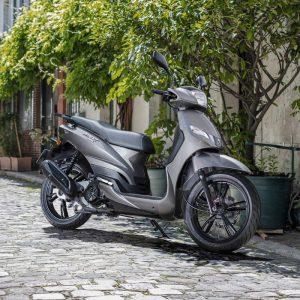הצרפתים מסתערים: אופנועים של פיג'ו ישווקו בישראל